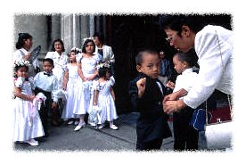 Filipino Catholic wedding © Paul A. Souders/Corbis