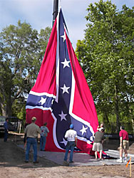 Confederate flag raised in Georgia © Don Gleary/Christian Science Monitor