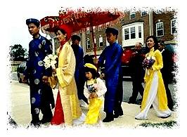 Vietnamese American wedding procession © Karen Kasmauski/Getty Images